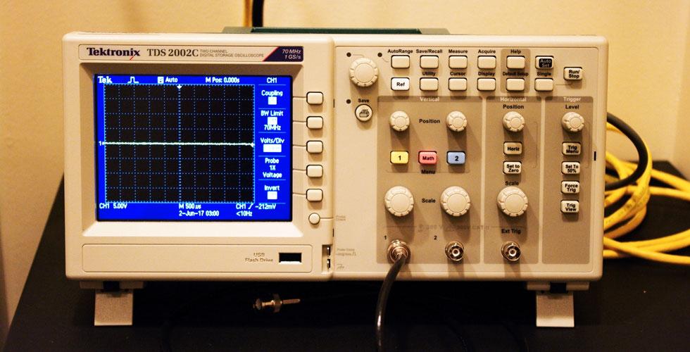 Tektronix oscilliscope